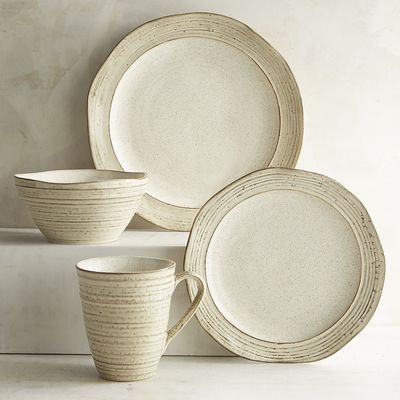 The glazed stoneware pieces of our Midori Collection have been carefully crafted so their irregular surfaces : glazed stoneware dinnerware - pezcame.com