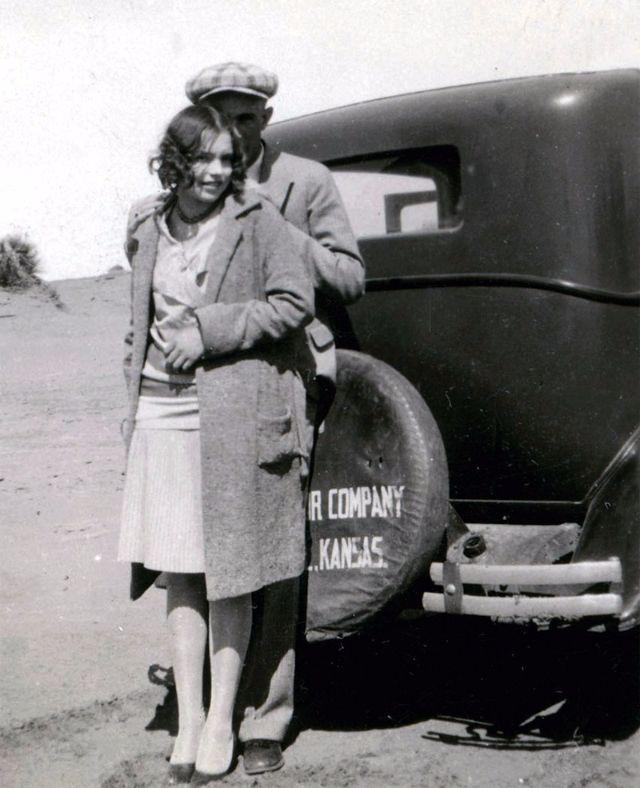 14 Vintage Photos That Remind You Of Bonnie Parker Vintage Everyday Bonnie Parker Bonnie N Clyde Bonnie