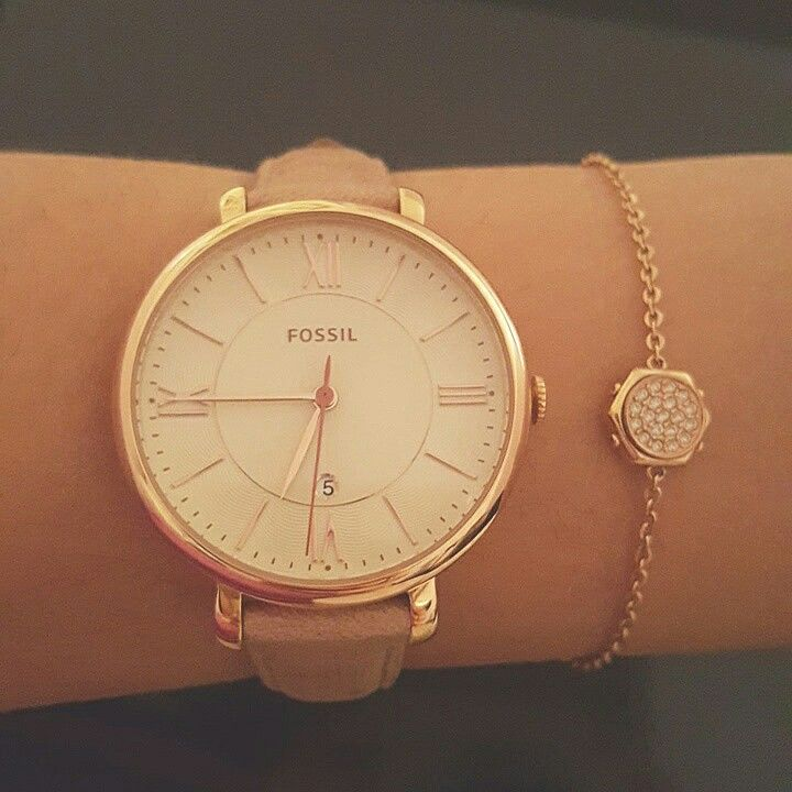 Fossil ES3487 in a dusty rose leather and a Swarovski bracelet in rose gold combo is perfection #fashion #watch #fossil #swarovski #valentines #girly