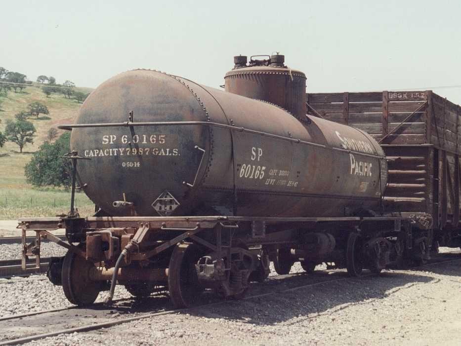 Tank Car End Detail Railroad pictures, Ho trains, Rail car