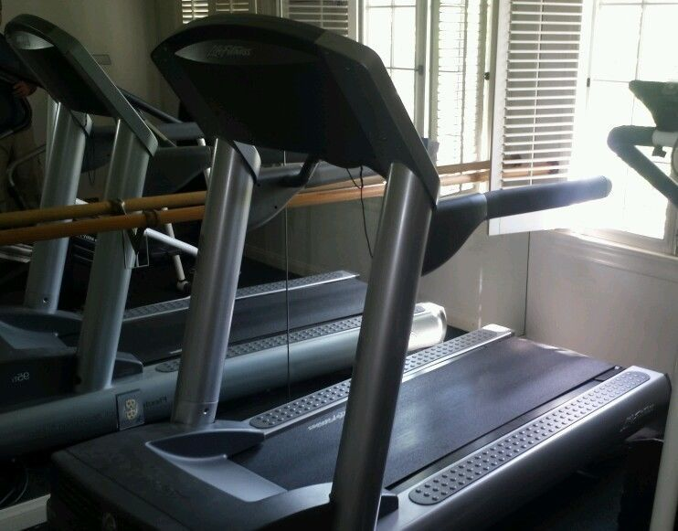 Life fitness 95ti treadmill comercial 5k10k workoutsrun