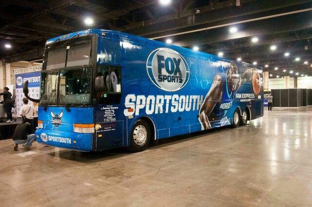 Fan Express Bus