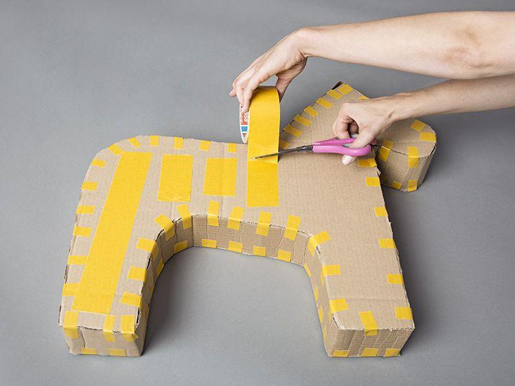 diy anleitung einhorn pi ata basteln via deko einhorn pinata einhorn basteln. Black Bedroom Furniture Sets. Home Design Ideas