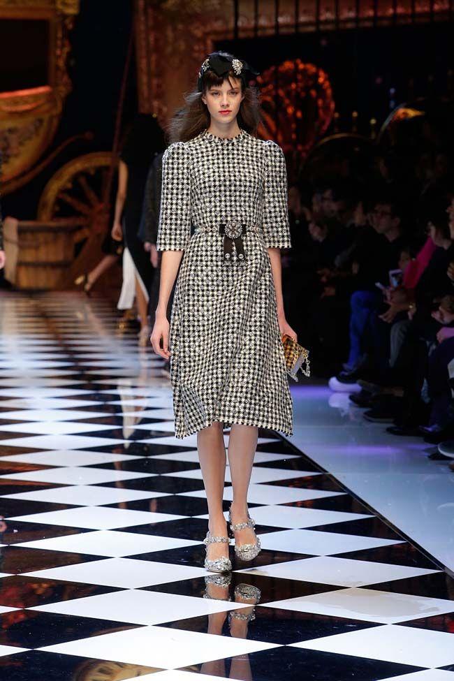dolce-and-gabbana-fall-winter-2016-17-women-fashion-show-runway-82-