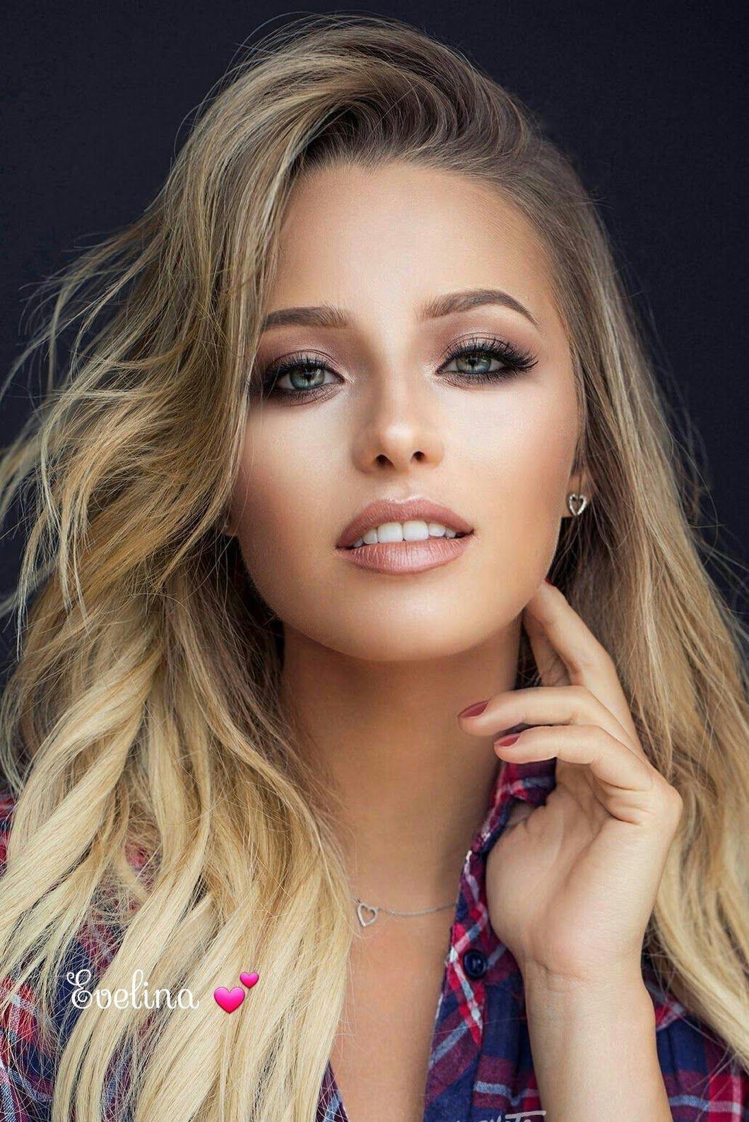 Beautiful Girl Show Cam