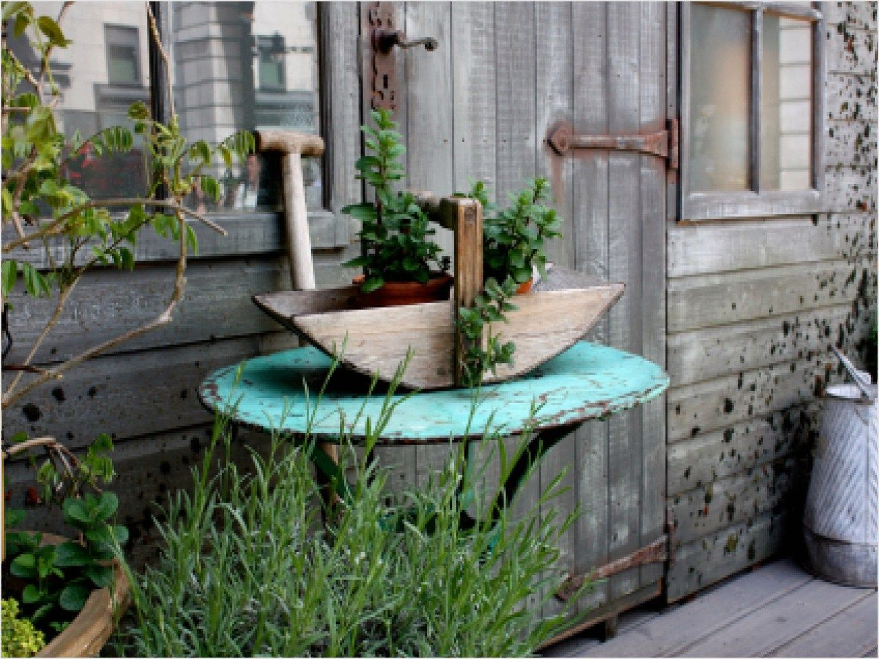42 beautiful rustic outdoor decorating ideas 37 home and garden decorating ideas rustic garden decor 4