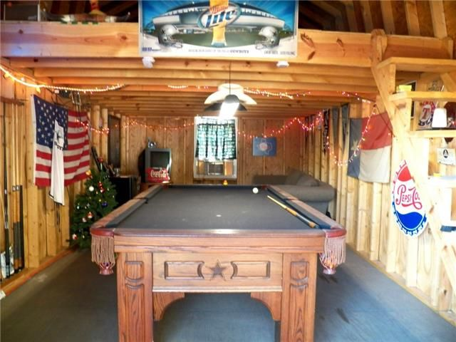 Inside The Pool Shed Complete With Pool Table And Loft Ricks - Inside a pool table