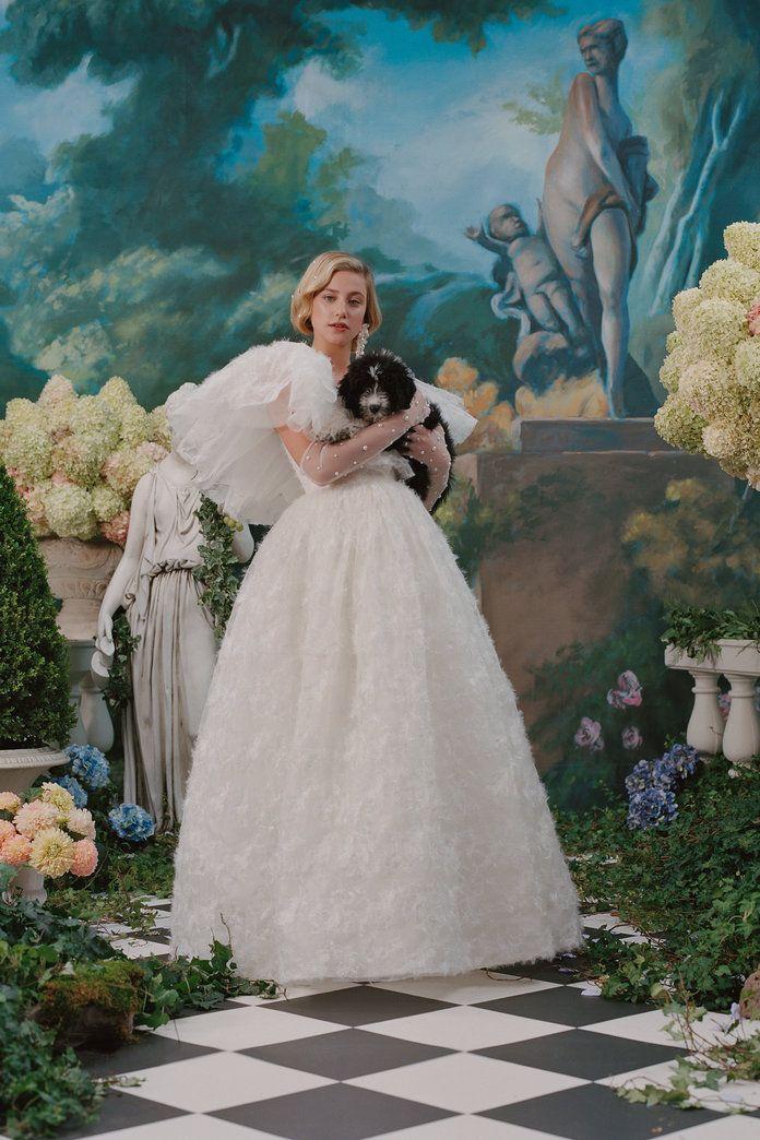 Lili Reinhart porte une robe de mariée et Mad Men Costars se réunit pour le lookbook printemps de Rodarte   – ünlüler