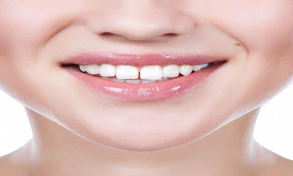 في فصل الصيف وتحت تأتير أشعة الشمس تتعرض البشرة للاسمرار وضهور البقع السوداء وحتى في حالة استخدام Gap Teeth Beauty Life Hacks Videos Dinner Recipes For Kids