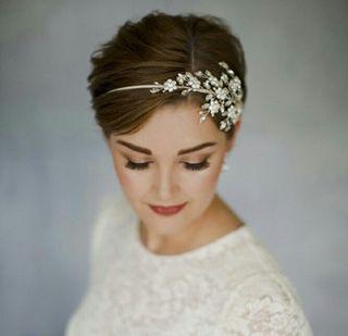 Brautfrisuren Fur Kurze Haare Hochzeitsfrisuren Kurze Haare Hochzeitsfrisuren Brautfrisur Kurze Haare