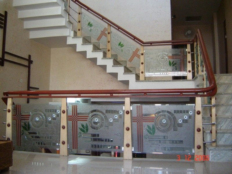 Best Wood Glass Staircase Manufacturer Staircase Railing 400 x 300