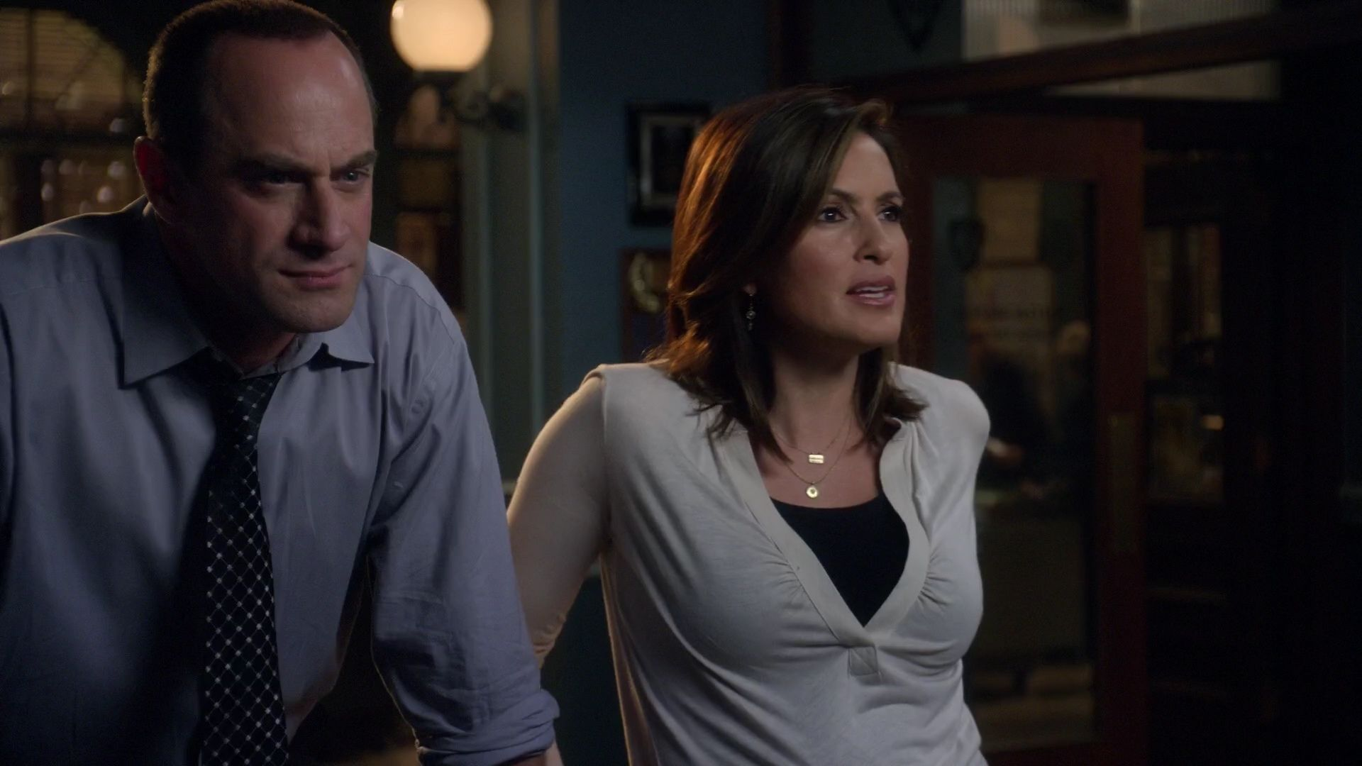 Detective Elliot Stabler Olivia Benson Law And Order Svu Law And Order Benson And Stabler