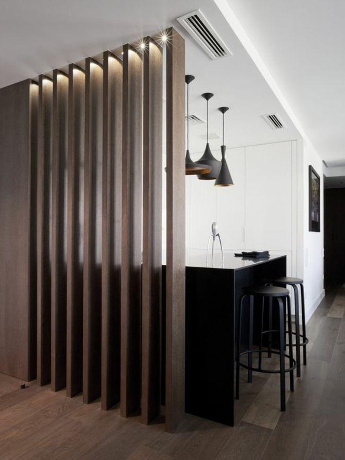 Offene Küche Mit Theke Schwarz Schwarze Barhocker Drei Lampen Industrial  Stil Raumteiler