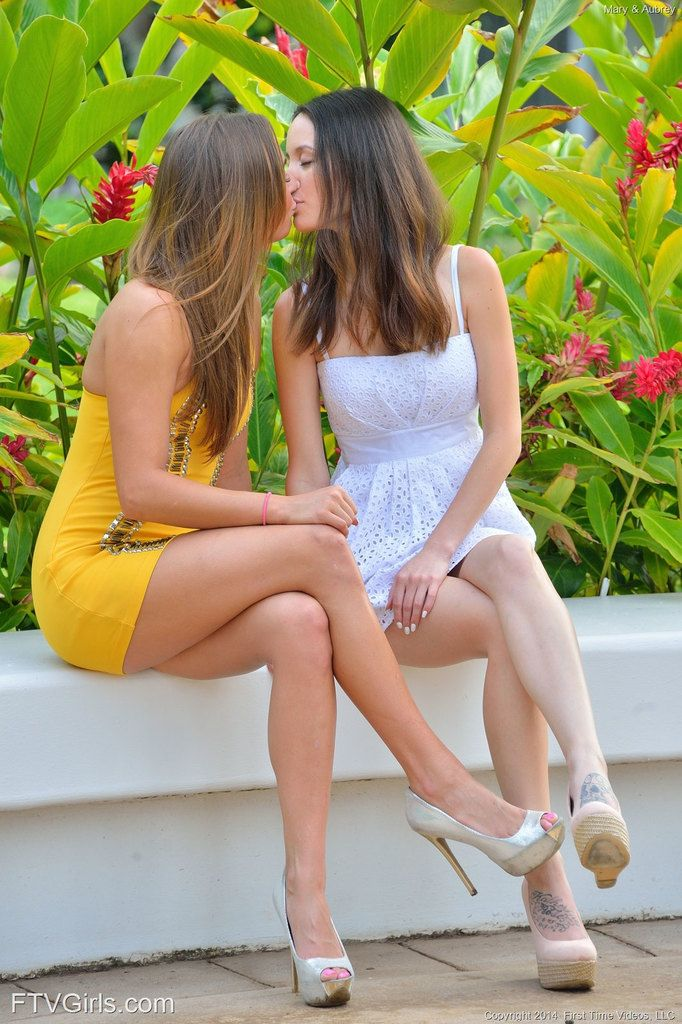 Lesbien girls kissing upskirt