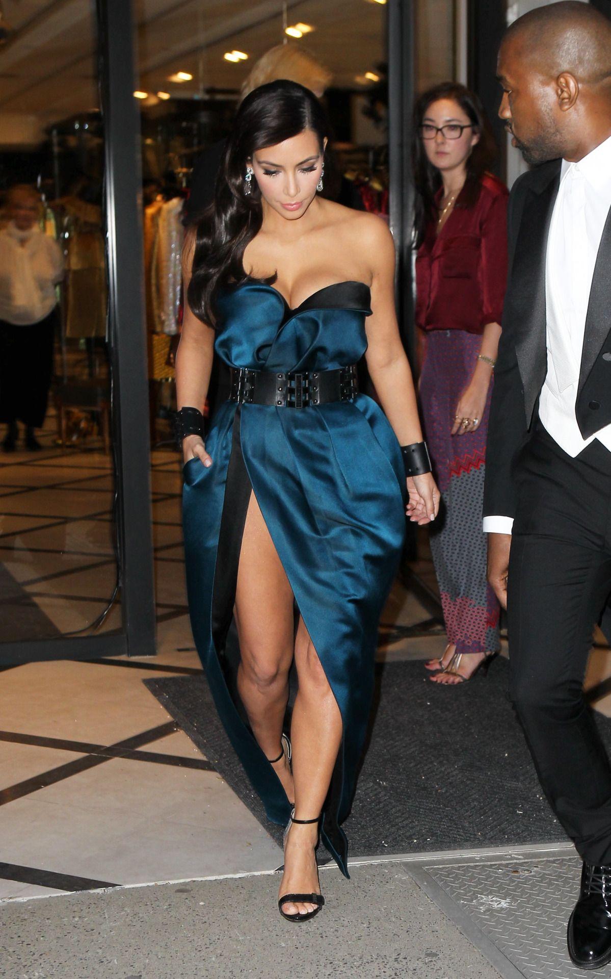 Kim Kardashian Strapless Dress | Kardashian style, Kim