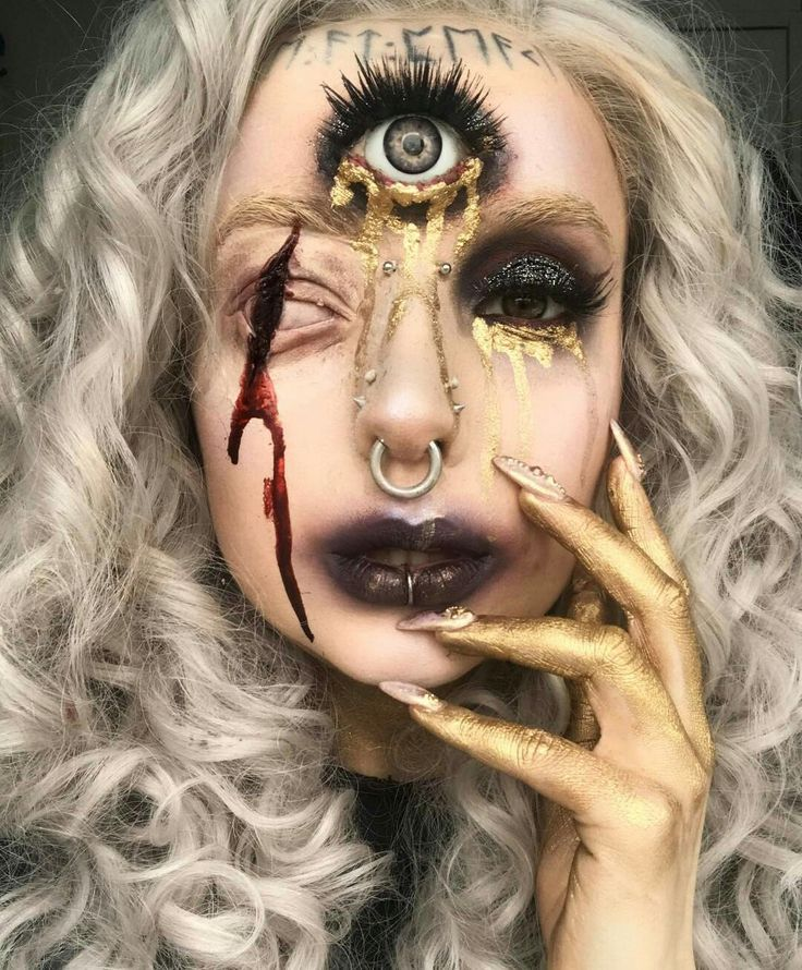 Wow so different and so cool!! | ☆ Glittery Halloween Makeup ...