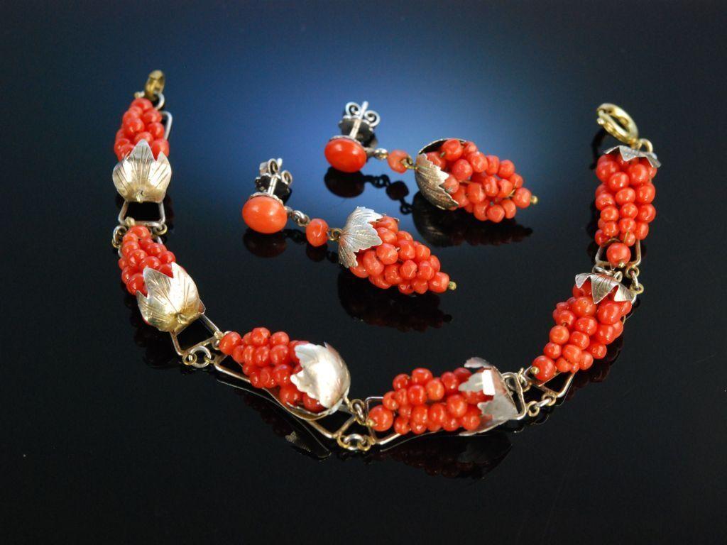 Antique coral set grape decor, bracelet and earrings! Italien um 1900! Weintrauben Armband und Ohrringe Sardegna Koralle Edelkoralle Silber vergoldet, Korallen Schmuck bei Die Halsbandaffaire