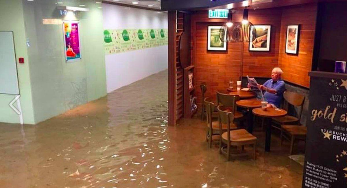 mashable: Stubborn man will not leave Starbucks even though it's flooded https://t.co/lNaVoREcJr https://t.co/WXvkNOqE6a