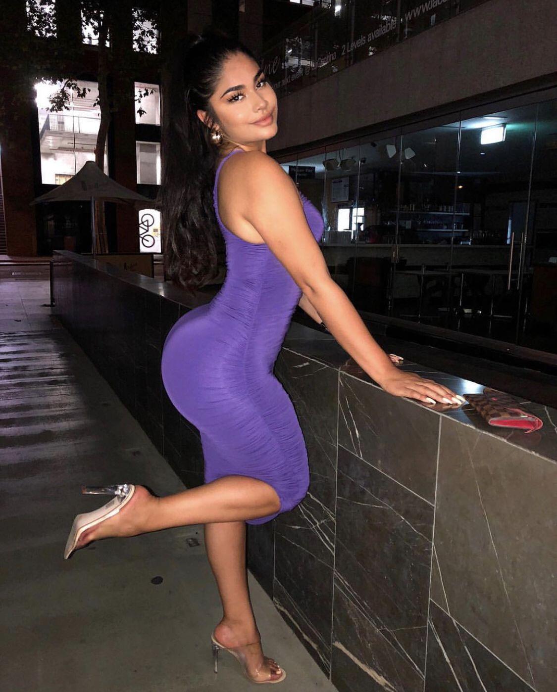 girl ass latina Skinny shakes