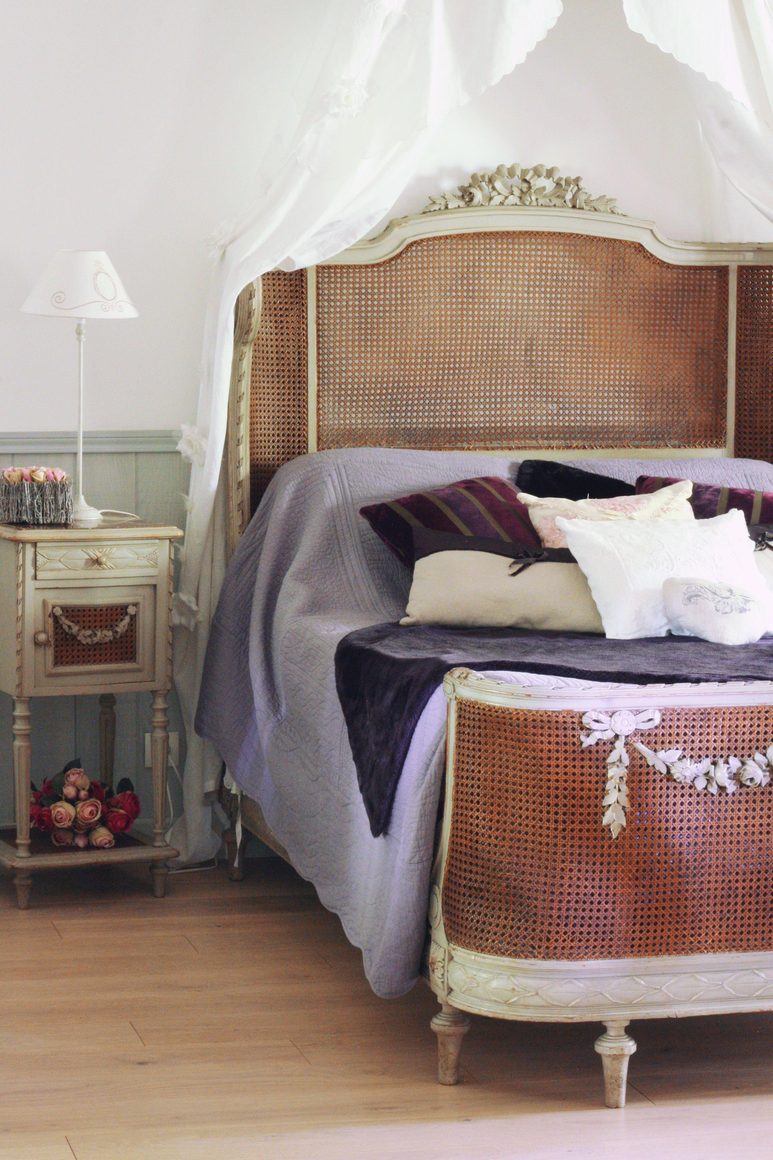 Evelyne Warchol S Home Le Bonheur A La Campagne Guest House Champagne Ardenne Antique Decor Mise En Scene Jardin Dec Decoration Champagne Ardenne Gite