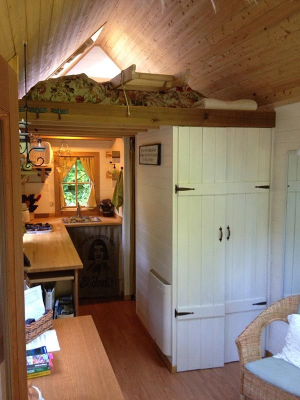 Living Large in 165 Square Feet: A Tiny House Photo Tour - See more at: http://alternativehomestoday.com/blog/living-large-in-165-square-feet-a-tiny-house-photo-tour/#sthash.LQCBERZQ.dpuf