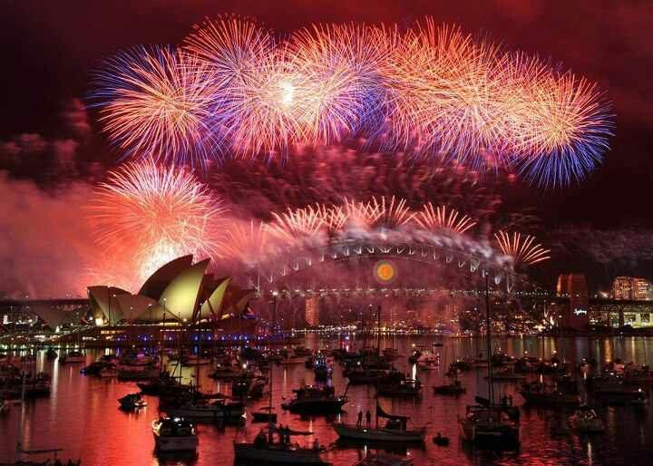 Sydney New Year New Year S Eve Around The World New Years Eve Fireworks Celebration Around The World