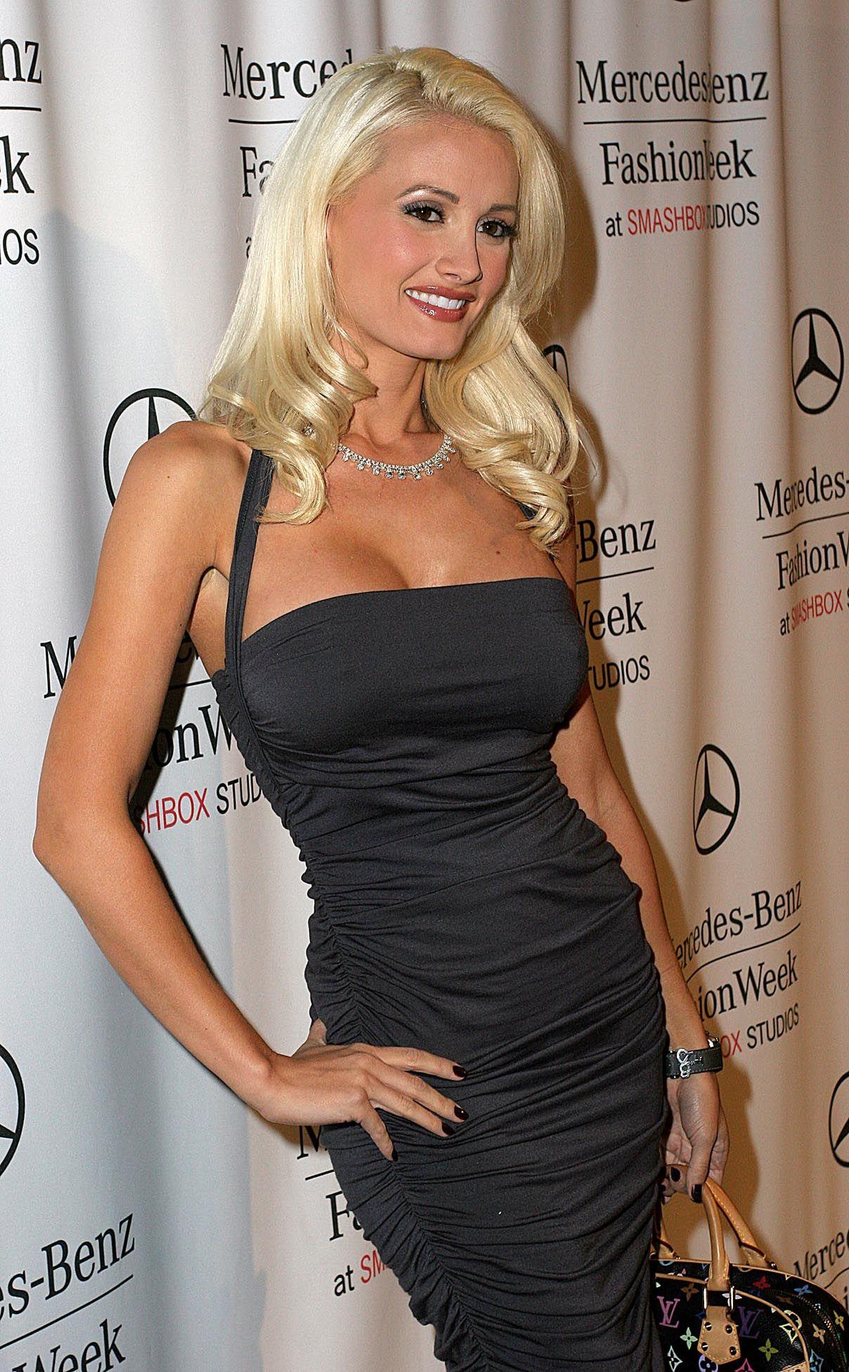 Holly Madison Hot