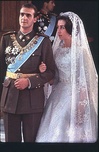 The Royal Order Of Sartorial Splendor Wedding Wednesday Queen Sofia S Gown Royal Wedding Dress Royal Wedding Gowns Royal Brides