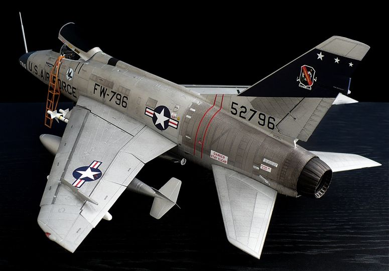 Trumpeteru0027s 1\/32 scale North American F-100 D Super Saber - how would you weigh a plane without scales