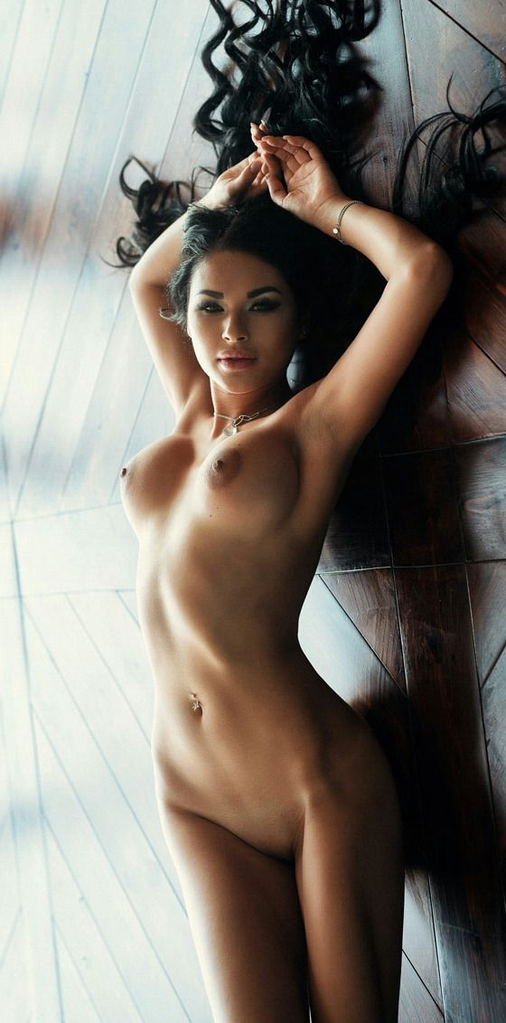 Naked women paradise, lesbian lick pussy video