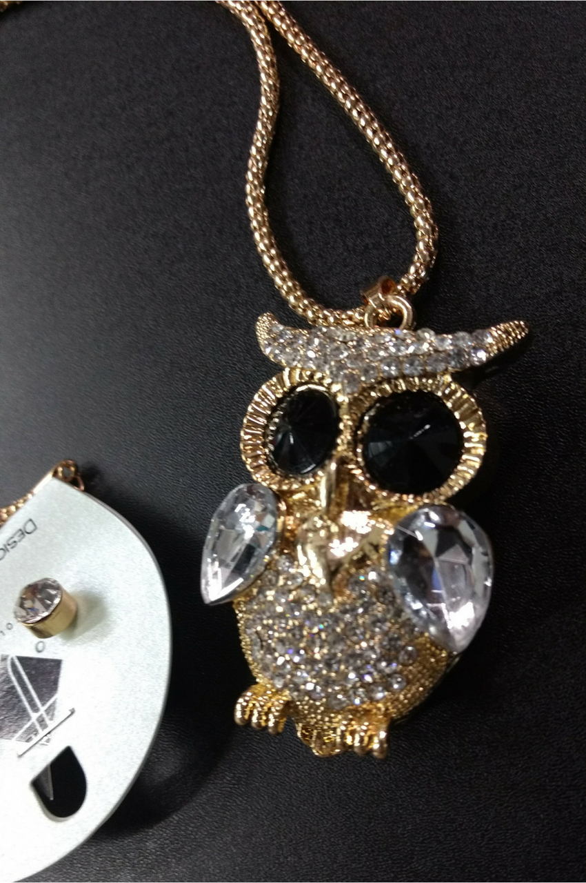 Elegant owl necklace set with earrings ugoldu and encrusted with