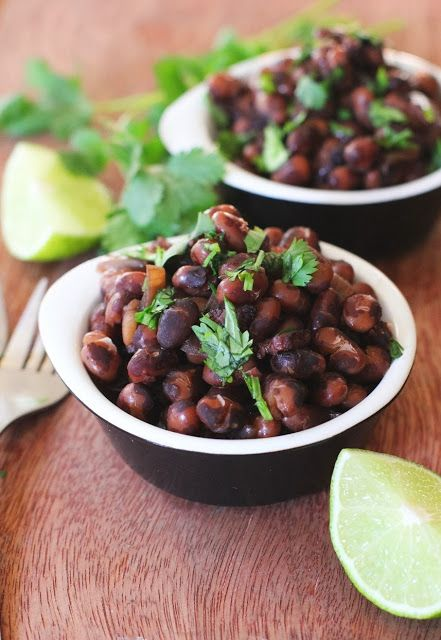 Fake Food Free: Slow Cooker Black Calypso Beans with Beer and Bacon Recipe