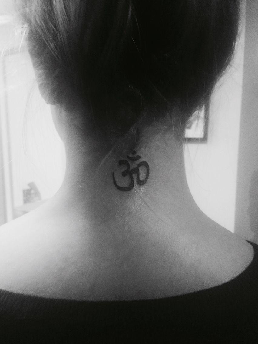 Om Aum Ohm Neck Tattoo Tattoo Inked Neck Body Tattoogirl