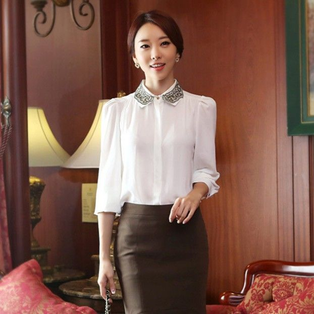 How To Wear A White Shirt With Faux Leather Pencil Skirt