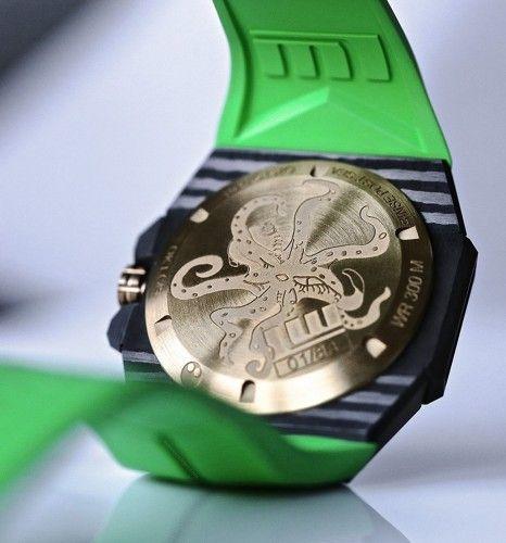 Oktopus Double Date Carbon Green de LINDE WERDELIN