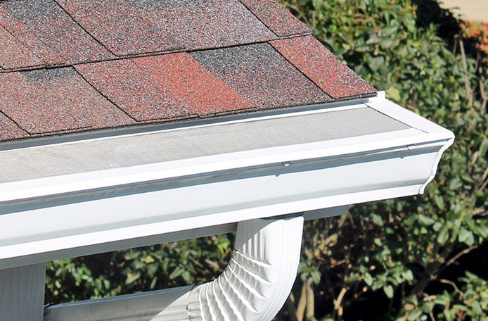 Leaffilter 1 Cleaning Gutters Gutters House Exterior
