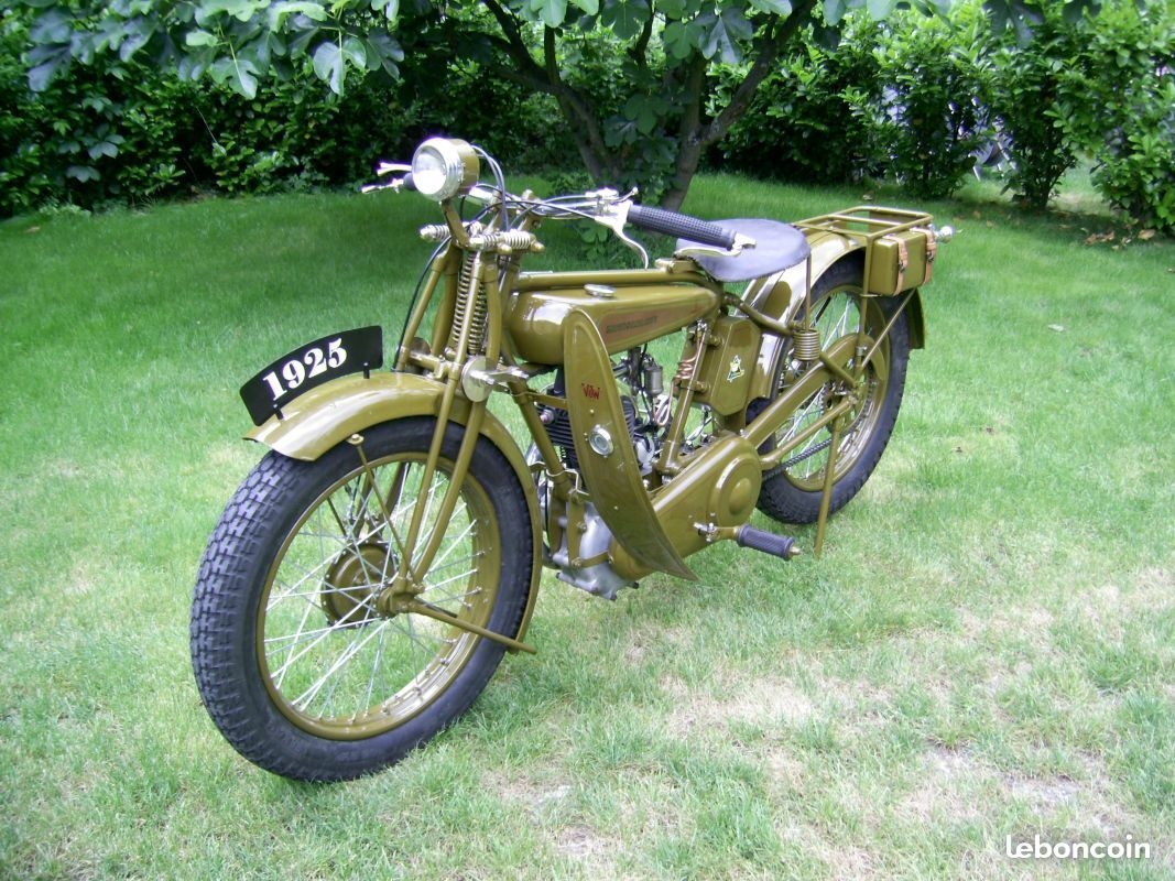 moto de collection entretubes motos is re anc tre bicycle pinterest. Black Bedroom Furniture Sets. Home Design Ideas