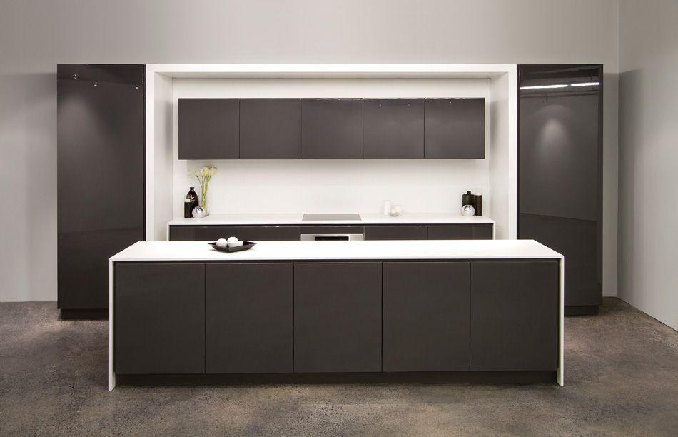 reforma #cocina modular en color blanco y carbón, con isla con ...