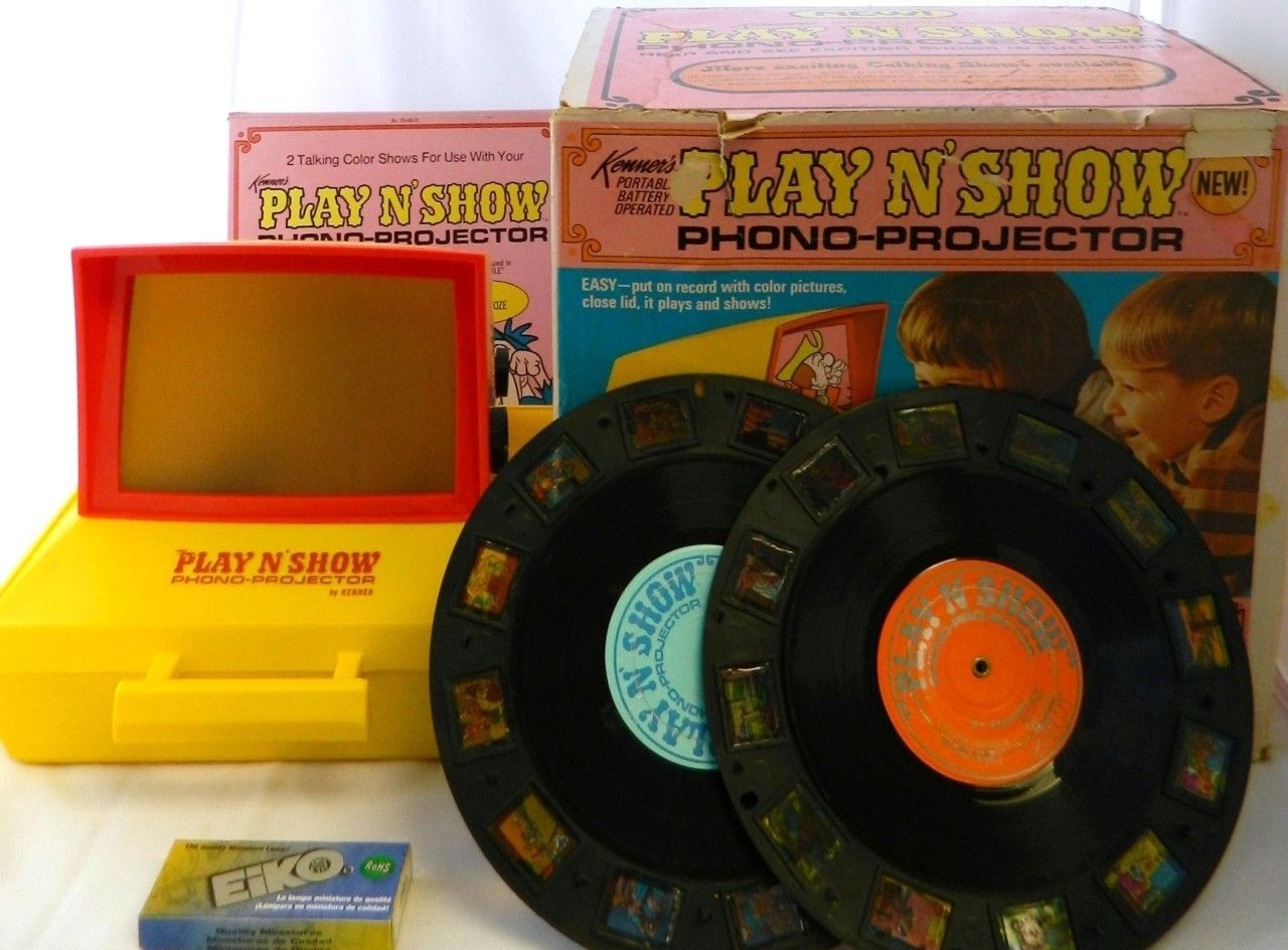#2601 Play N' Show Projector Kenner's Cartoon Record Player 1969 Box 023 Give A Show Slide Viewer Toy Vintage