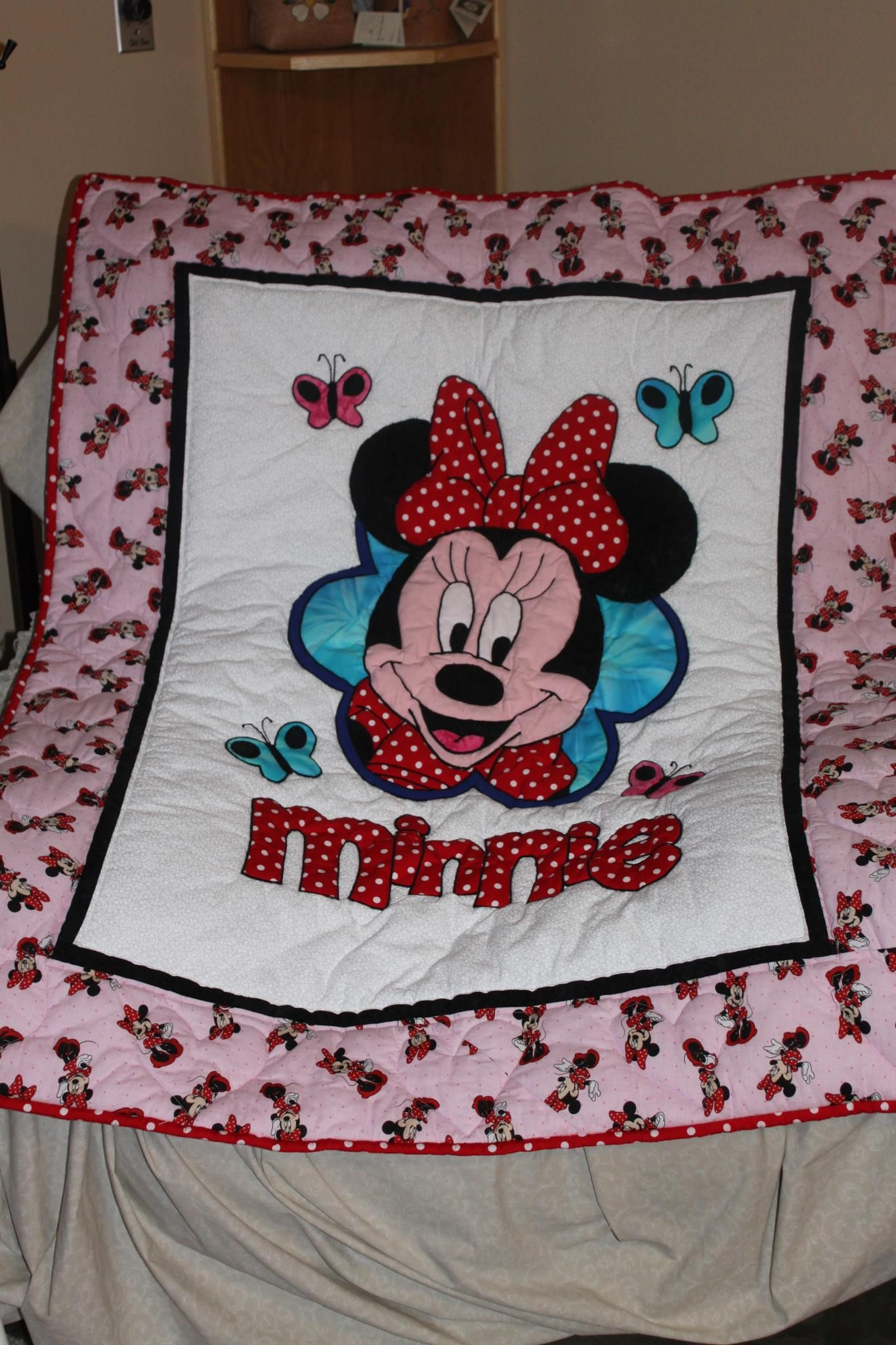 It S Minnie Mouse Mickey Mouse Quilt Baby Girl Quilts Disney Quilt