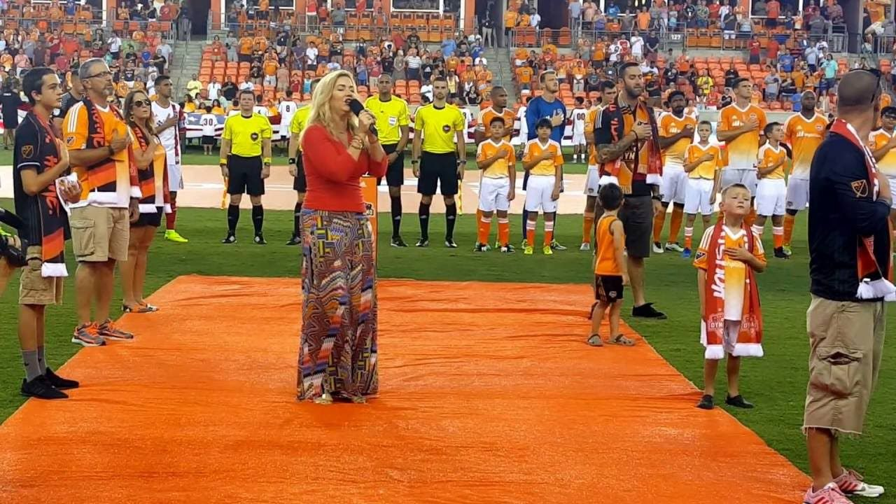 DeDe Wedekind sings National Anthem: The Star Spangled Banner