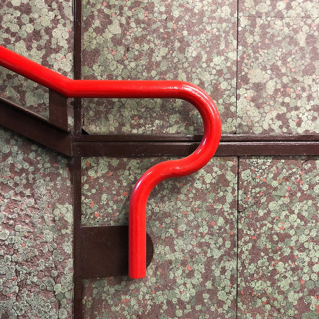 Milano Metro Subway Stations Designed In 1964 By Architects Franco Albini And Franca Helg Metropolitana Milanese Logo B Albini Design Interior Architecture