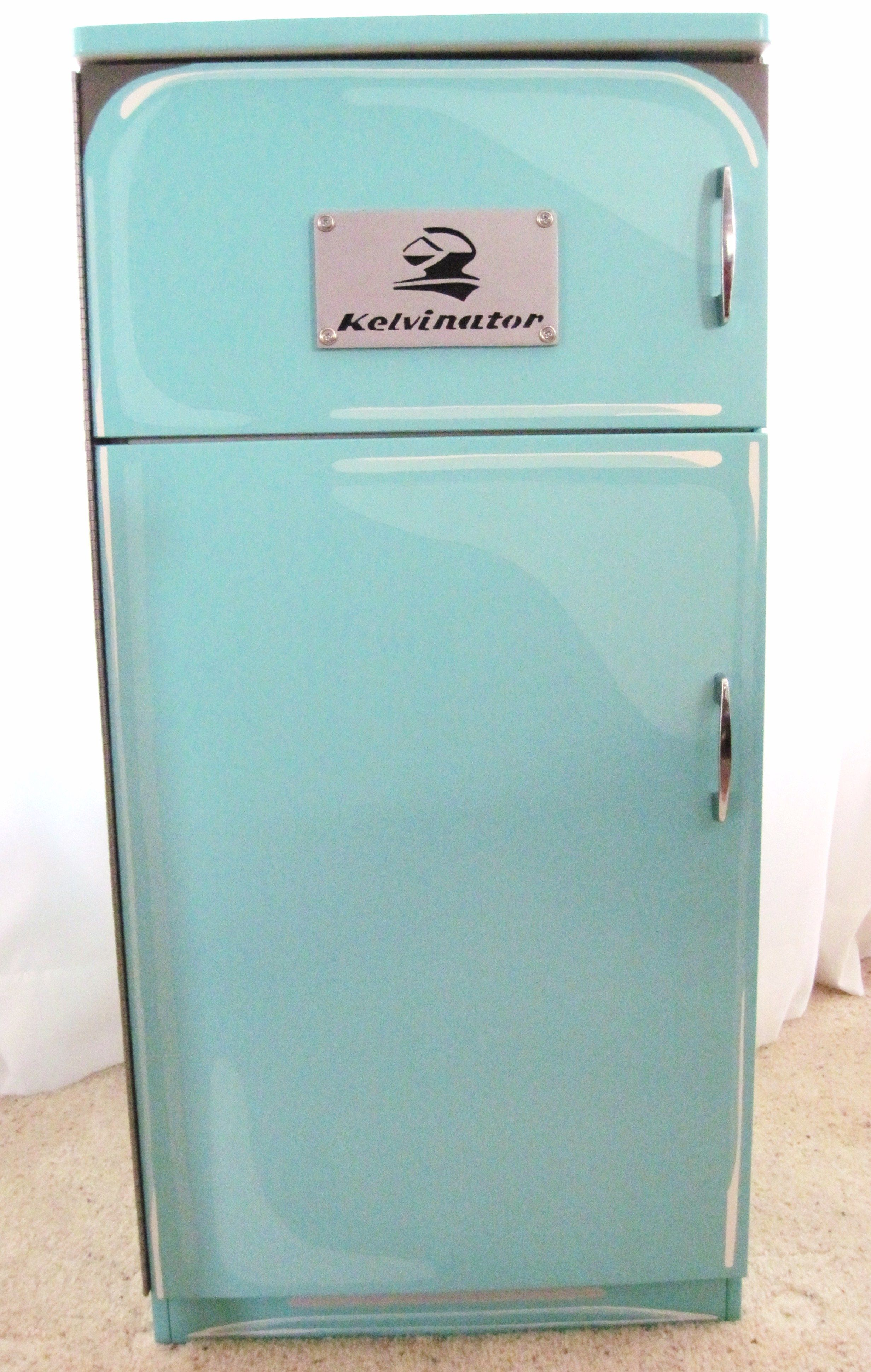 I suggest a 1950\'s refrigerator. me that picture of a - Comment #106 ...