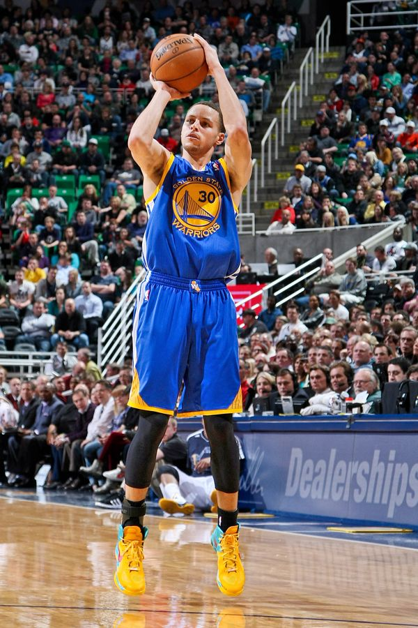 Best Shooter In The League Right Now Stephen Curry Shooting Form Stephen Curry Shooting Stephen Curry Basketball