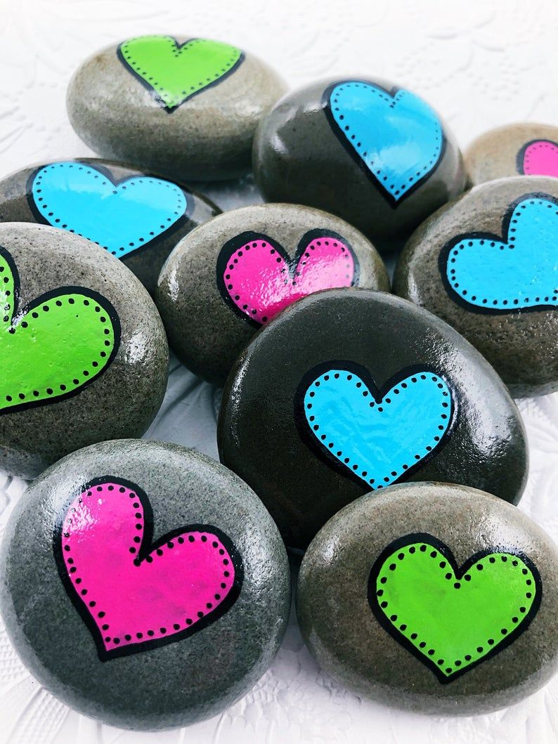 Colorful Hearts Set of 10 Painted Stones, Heart Painted Rocks, Party Favors, Anniversary favours, Valentines Day gift