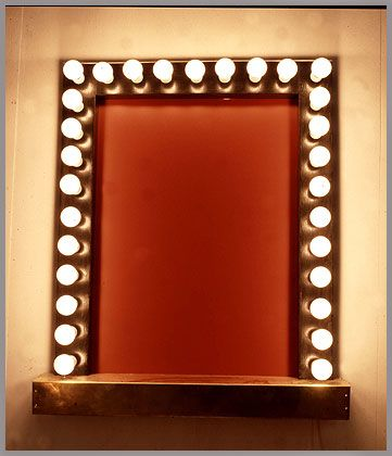 Dressing Table Mirror With Theatrical