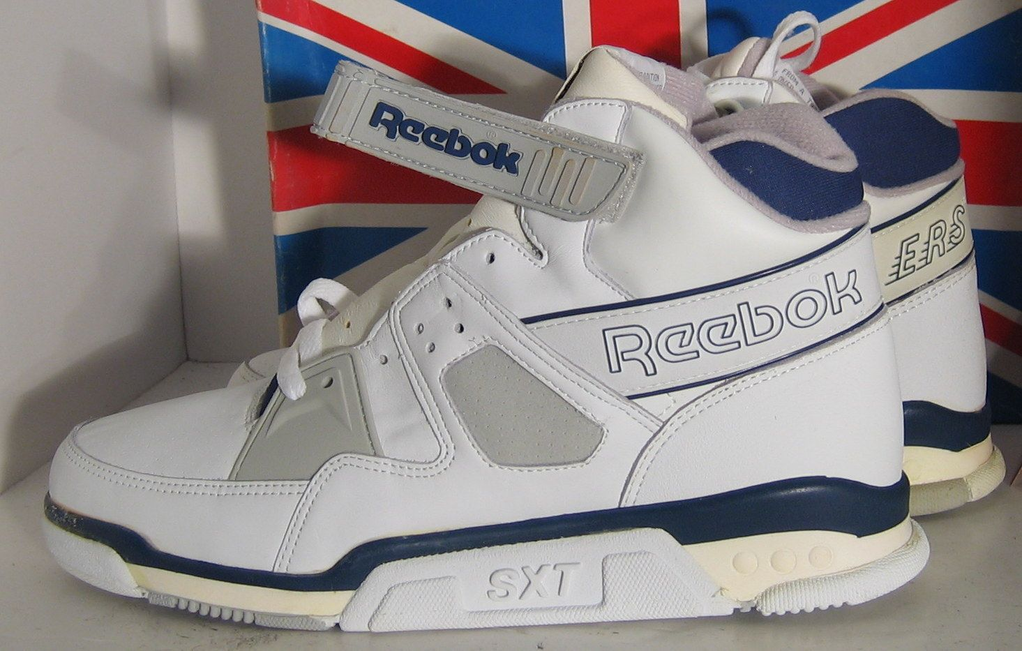 8229abe67 Reebok SXT Cross Training Shoe 1989