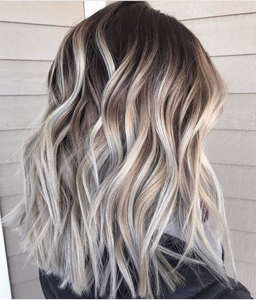 Pin By Jessica Hahn On I Love Hair In 2020 Ash Blonde Balayage Medium Blonde Hair Color Brown Ombre Hair