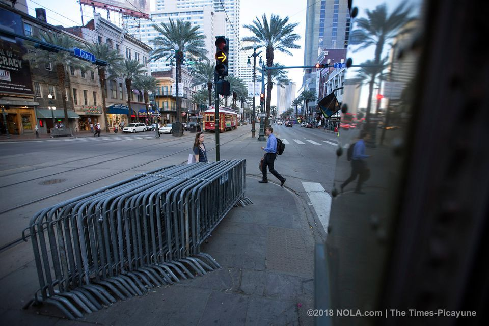 A desire to ride a new orleans streetcar a photo essay