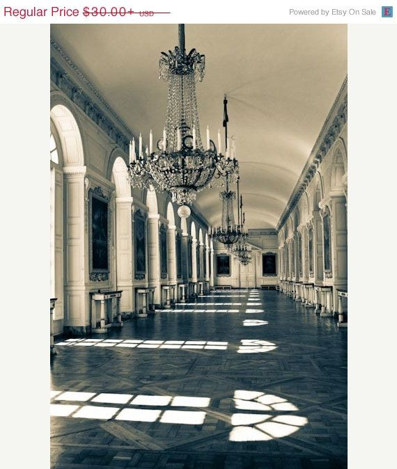 Paris Apartments Versailles: Luxurious Chandelier In The Palace Of